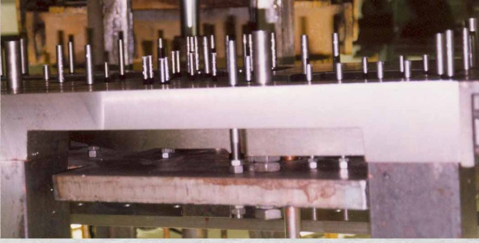 Free Floating Injection Mold